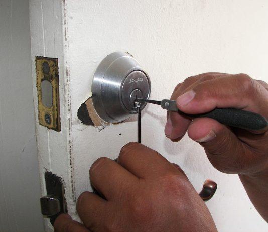 פורץ דלתות - מה הכי חשוב לדעת לפני שמזמינים