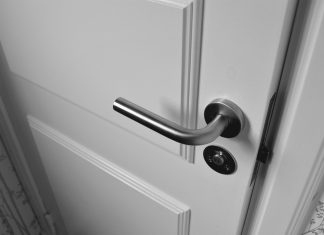 דלתות פנים וחשיבות הכנה מקדימה